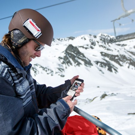 TomTom Bandit Action Camera - Snowboarder checking footage